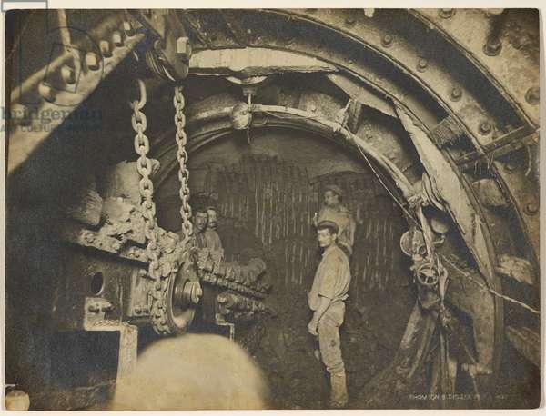 Construction of London Underground. Thomson's Digger in operation, 1898