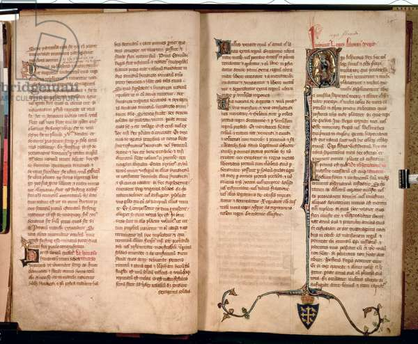 Cott Claud D II f.7v-8 Page with a historiated initial 'F' depicting King Alfred (849-99) from ' Liber Legum Antiquorum Regum', c.1321 (vellum)