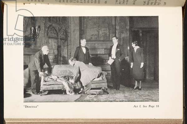 Scene from 'Dracula', The vampire play in three acts. Dramatized by H. Deane and J. L. Balderston from Bram Stoker's world famous novel 'Dracula', 1933 (b/w photo)