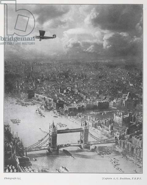 """Capt. Buckham photograph. 'The Gateway to London: An Armstrong-Whitworth """"Argosy"""" air-liner in flight over the heart of the City'.  From Airways February 1928"""