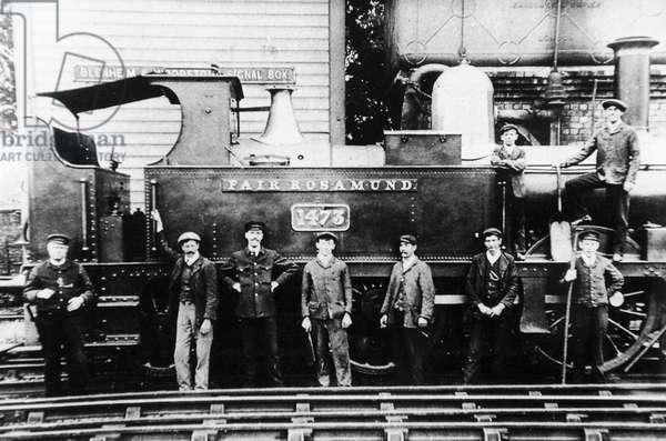 'Fair Rosamund' at Woodstock Station, c.1898 (b/w photo)