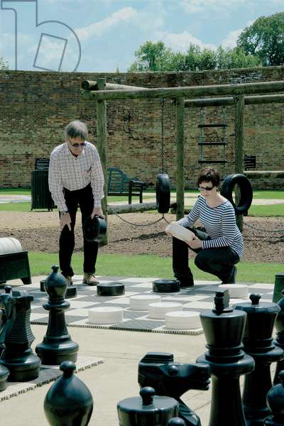 Playing draughts in the Pleasure Gardens at Blenheim Palace (photo)