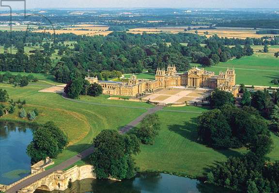 Aerial view of Blenheim Palace, Oxfordshire, UK (photo)