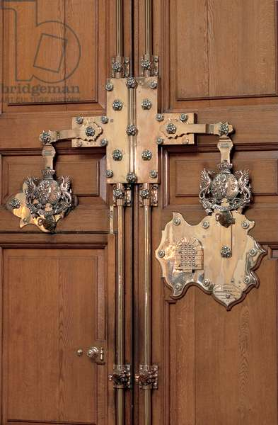 The brass lock on the doors of the entrance to the Great Hall, Blenheim Palace (photo)