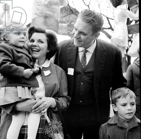 Robert Gerber and his family a Malakoff 5 May 1963 PCF Communist c