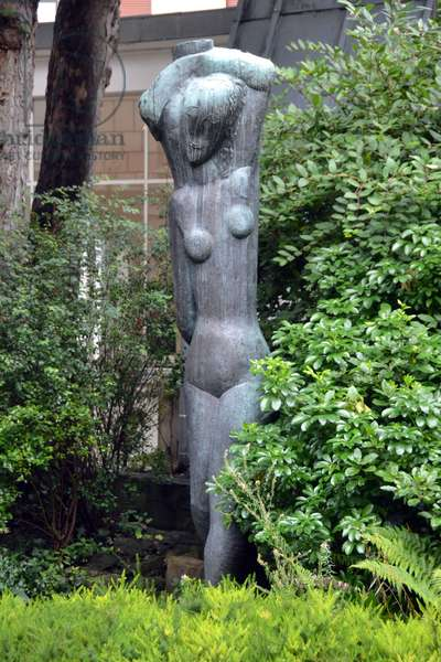 Rebecca or The Large Water Carrier, 1927 (bronze)