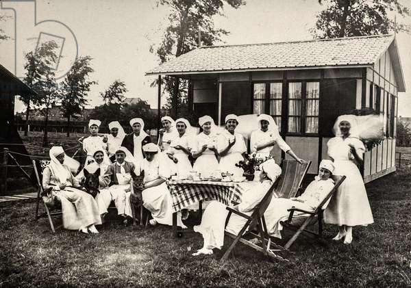 Group of French Surgical Nurses Outdoors in Belgium, WWI, Rousbrugge, Belgium, c.1915 (silver gelatin print)