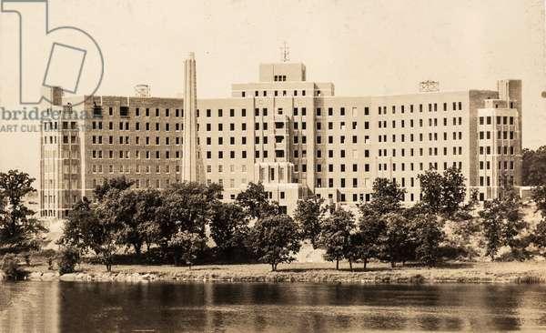 St. Cloud Hospital, 1927 (postcard)