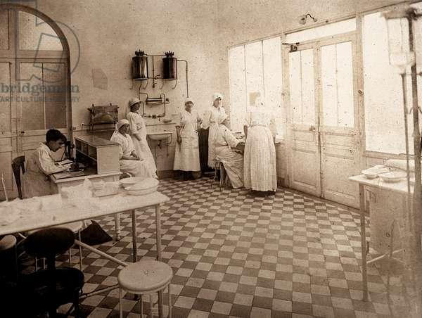 French Nurses in an Infirmary, Paris, France, c.1900 (silver gelatin print)
