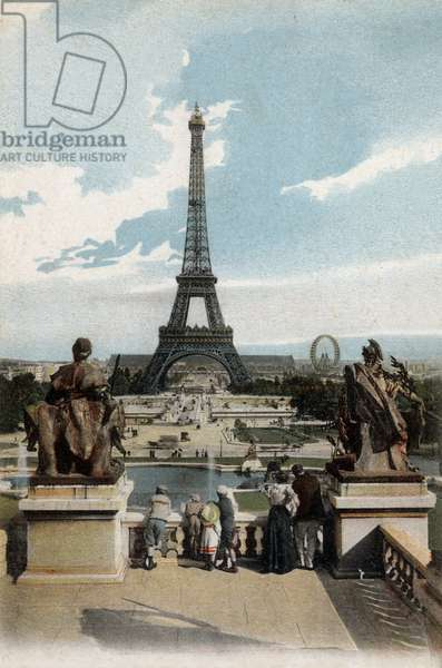 Paris: the Eiffel tower from the Trocadero, postcard, c. 1910
