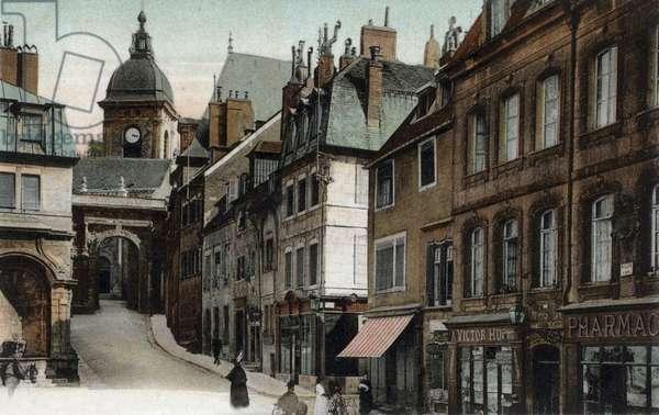 Besancon (France): native house of Victor Hugo and black gate, postcard, c. 1900