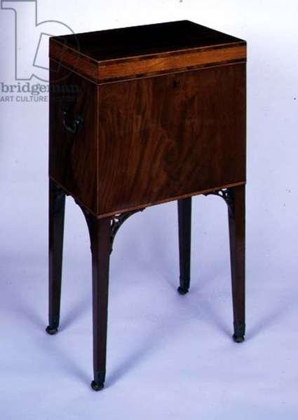 George III mahogany cellaret