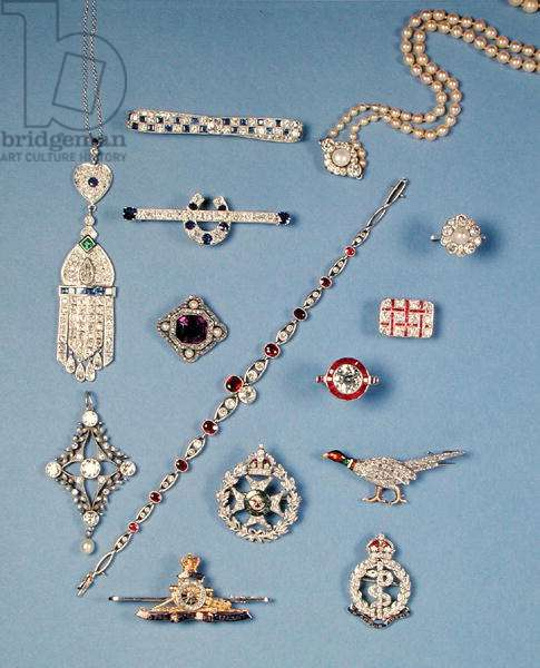 A selection of jewellery