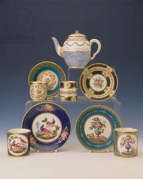 Selection of teapots, plates and cups, c.1770 (porcelain)