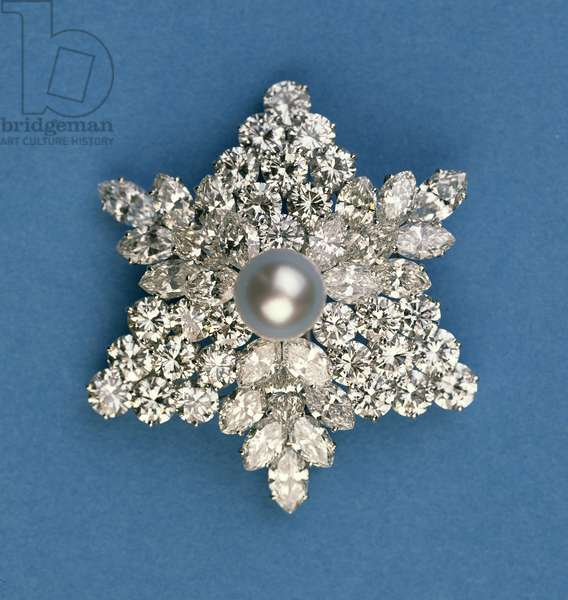 Circular and marquise diamond snowflake brooch by Bulgari