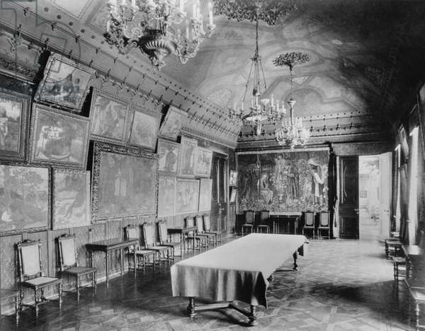 Large dining room (known as the Gauguin Room) in Shchukin's (1851-1936) house, 1913 (b/w photo)
