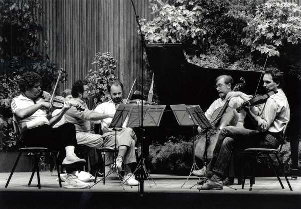 Leon Fleisher playing the piano with Vermeer String Quartet, Snape Maltings 1988