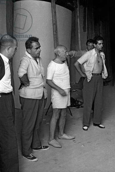 """French director Henri-Georges Clouzot and Spanish painter Pablo Picasso on set of film """"The Mystery of Picasso"""" in 1955 (photo)"""