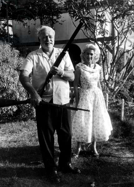 Hemingway receives visit of French actress Martine Carol in Finca Vigia, his house in San Francisco de Paulo,Cuba 1956