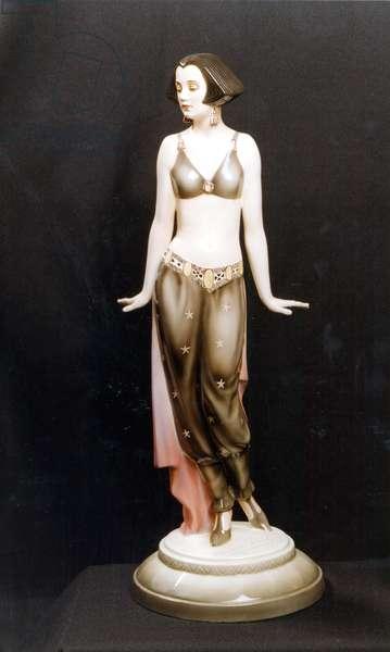 JERITZA, Maria statuette as Salome in Richard  Strauss'  Salome