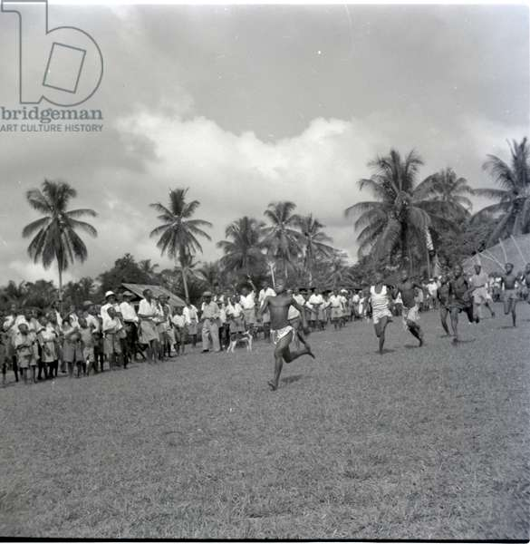 Empire Day sports, finish 220yds, Junior, May 1954 (b/w photo) [2012/001/6/7/AM2]