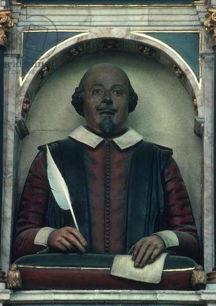 William Shakespeare funerary monument by Gerard Johnson in Holy Trinity Church, Stratford-upon-Avon, Warwickshire, UK (photo)