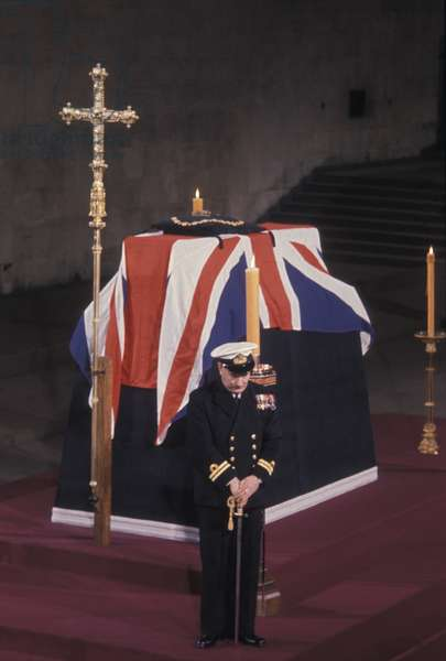 Sir Winston Chhurchill lying in state in Westminster Hall, 1965 (photo)