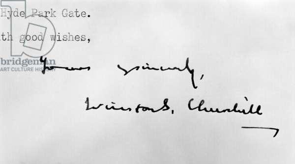 Winston Churchill's signature on a letter (b/w photo)