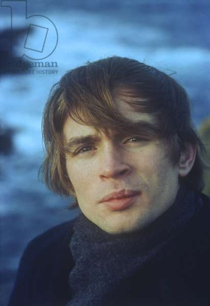 Rudolof Nureyev on vacation in Devon, England (photo)