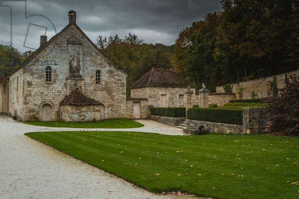Park, Fontenay Abbey, Burgundy, France (photo)