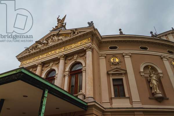 Opera House, facade, Ljubljana, Slovenia (photo)