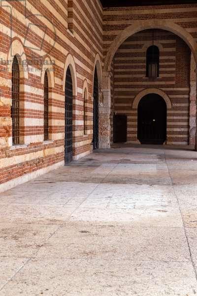 Palazzo della Ragione, Verona, Italy (photo)