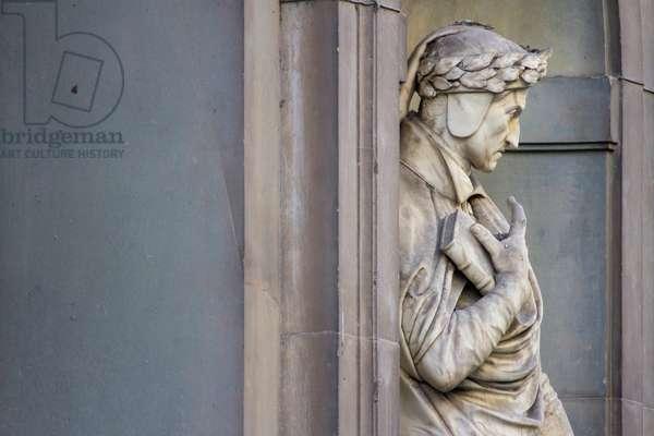 Statue of Dante - Portici Uffizi, Florence, Italy (photo)