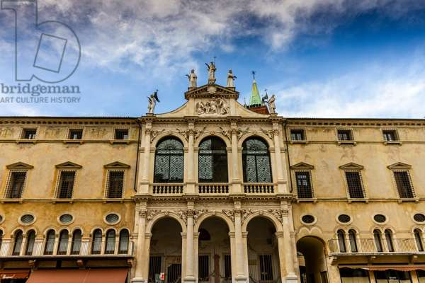 Baroque façade, Church of San Vincenzo, Piazza dei Signori, Vicenza, Veneto, Italy (photo)