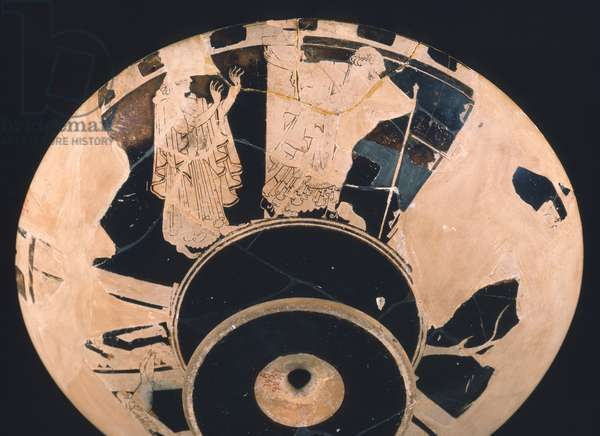 Priam followed by Hekabe advances towards Athena, drinking cup or kylix, Late Archaic Period, c.490 BC (ceramic)