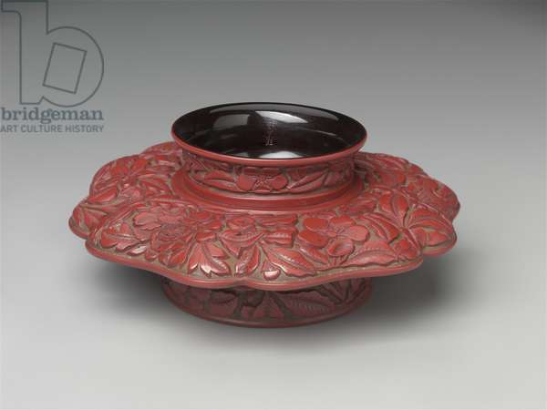 Lobed tea bowl stand, Late Ming dynasty or later (lacquer)