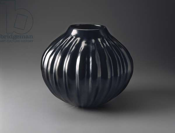 Melon Jar, Santa Clara Pueblo, 1984 (earthenware with polished slip paint)