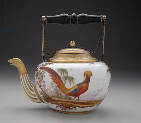 Tea Kettle, Sevres Manufactory, 1779 (hard-paste porcelain with enamel & gilded decoration)