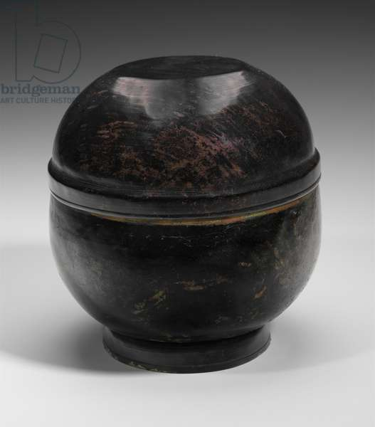 Bowl with lid, Goryeo dynasty (bronze with lacquer)