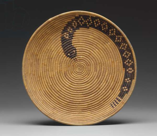 Tray, c.1900 (coiled grass stems)