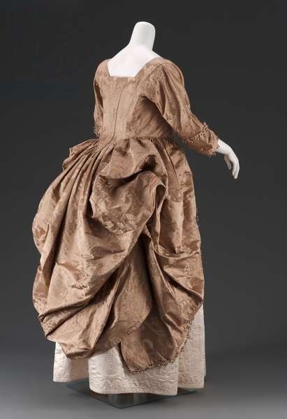 Dress, 1770-80 (silk damask)