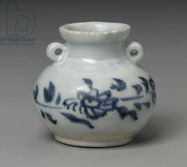 Small jar with blue-and-white decoration of chrysanthemums, late Yuan dynasty (porcelain)