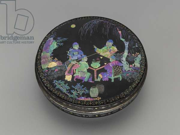 Circular incense box, 18th century (lacquered wood, mother of pearl, gold & silver foil inlay)
