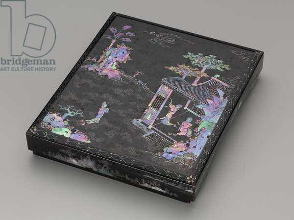 Writing box, late 18th - early 19th century (lacquered wood, mother of pearl, gold & metal foil inlay)