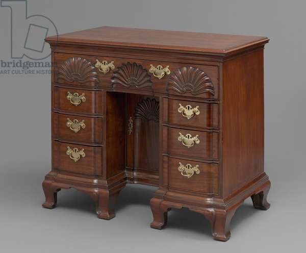 Bureau dressing table, 1765-–85 (San Domingo mahogany, Cuban mahogany, whitewood & chestnut)