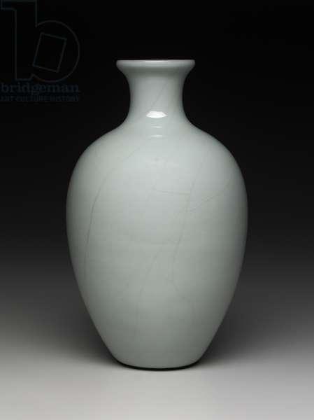 Vase (porcelain)
