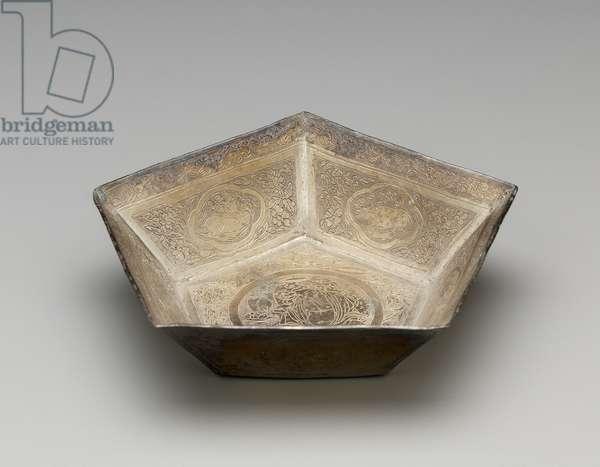 Pentagonal wine cup, 10th - 12th dynasty (silver)