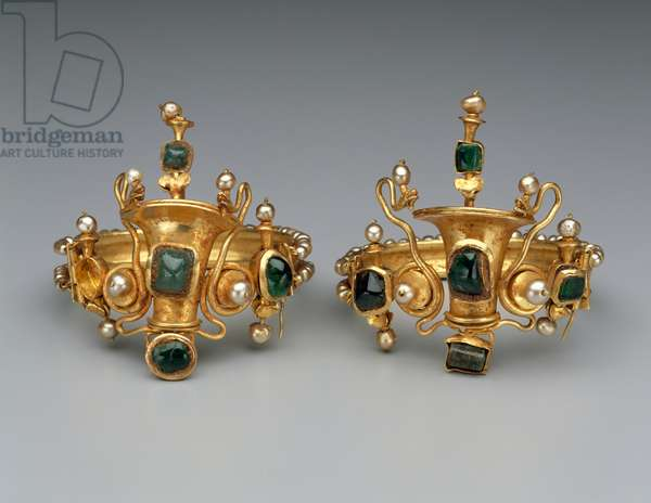 Bracelets, possibly from Egypt, Late Hellenistic or Early Imperial Period, c.40-20 BC (gold, emeralds & pearls)