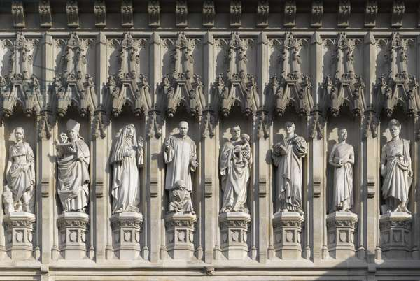Statues of 20th century martyrs above the west door (photo)