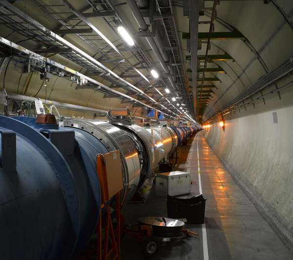 Central core, Large Hadron Collider, European Organization for Nuclear Research, Geneva, Switzerland (photo)